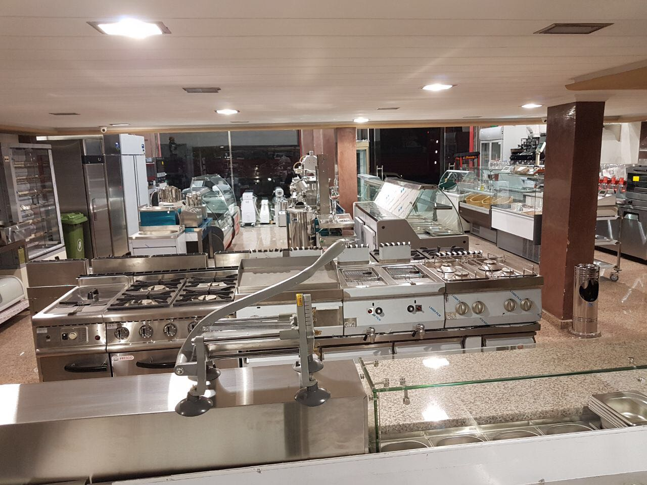 P tisserie mat riel cuisine pro maroc for Prix materiel patisserie